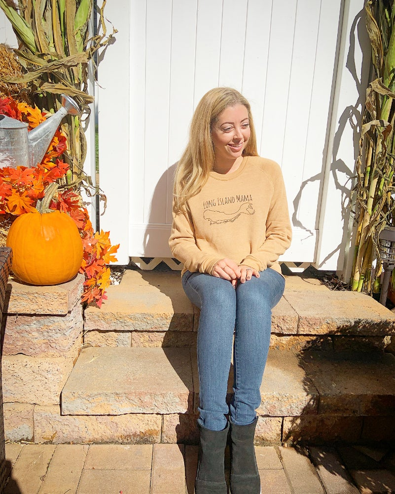 Long Island Mama Sweatshirt in Squash