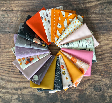 Spooky 'n Sweet Fat Quarter Bundle w/coordinating solids 19 pcs