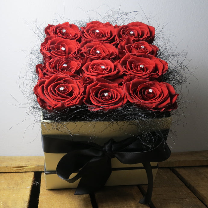 Preserved Rose (12) Square Hat Box