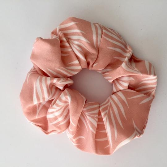 Island Pink and White Scrunchie - Kimberley's Store