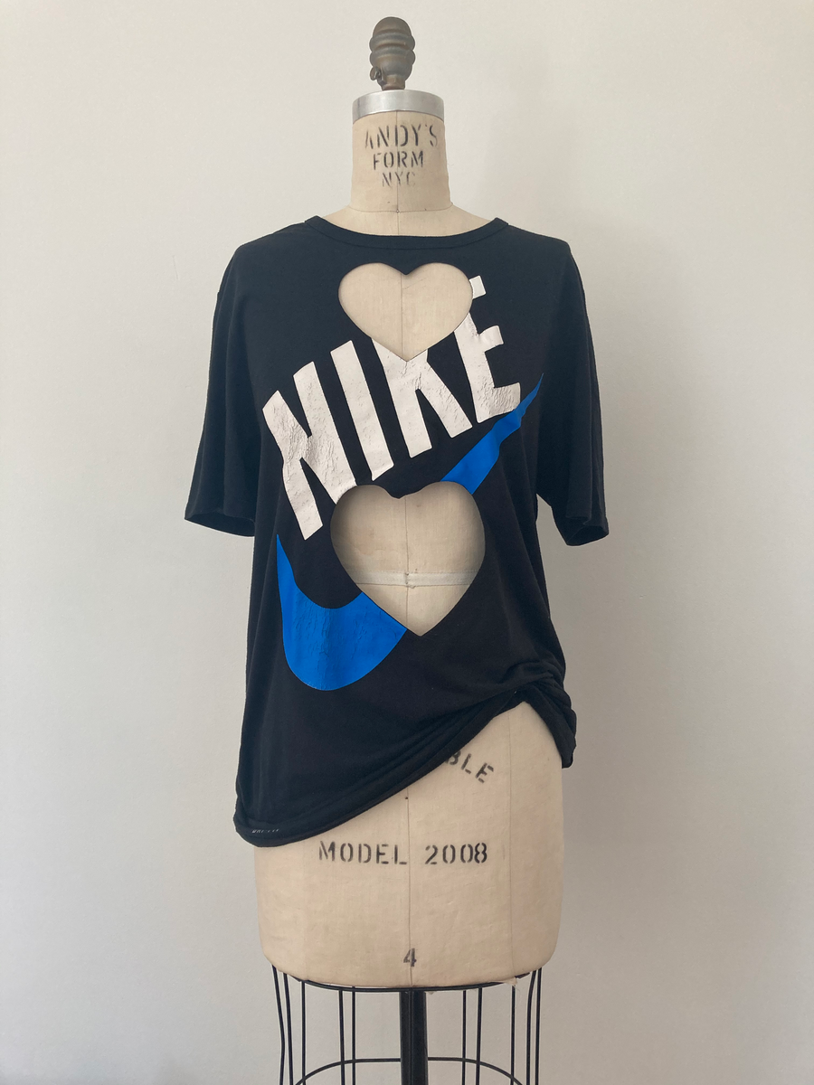 BLACK 'NIKE' DOUBLE HEART CUT-OUT TEE