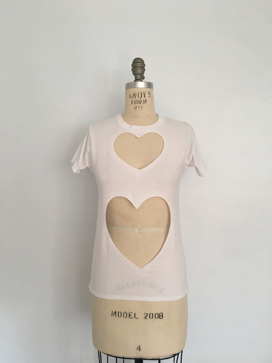 FITTED DOUBLE HEART CUT-OUT TEE 2