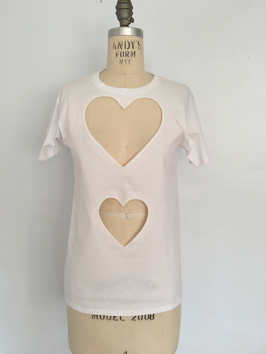 FITTED DOUBLE HEART CUT-OUT TEE