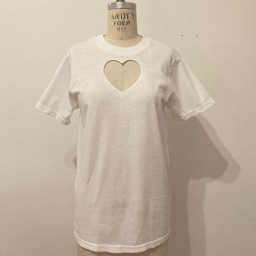 MEDIUM HEART CUT-OUT TEE WITH MINOR DEFECT