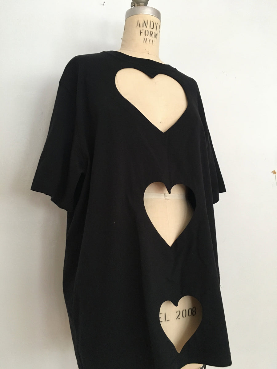 oversized Triple heart cut-out Tee black