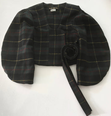 short plaid jacket with curved sleeves