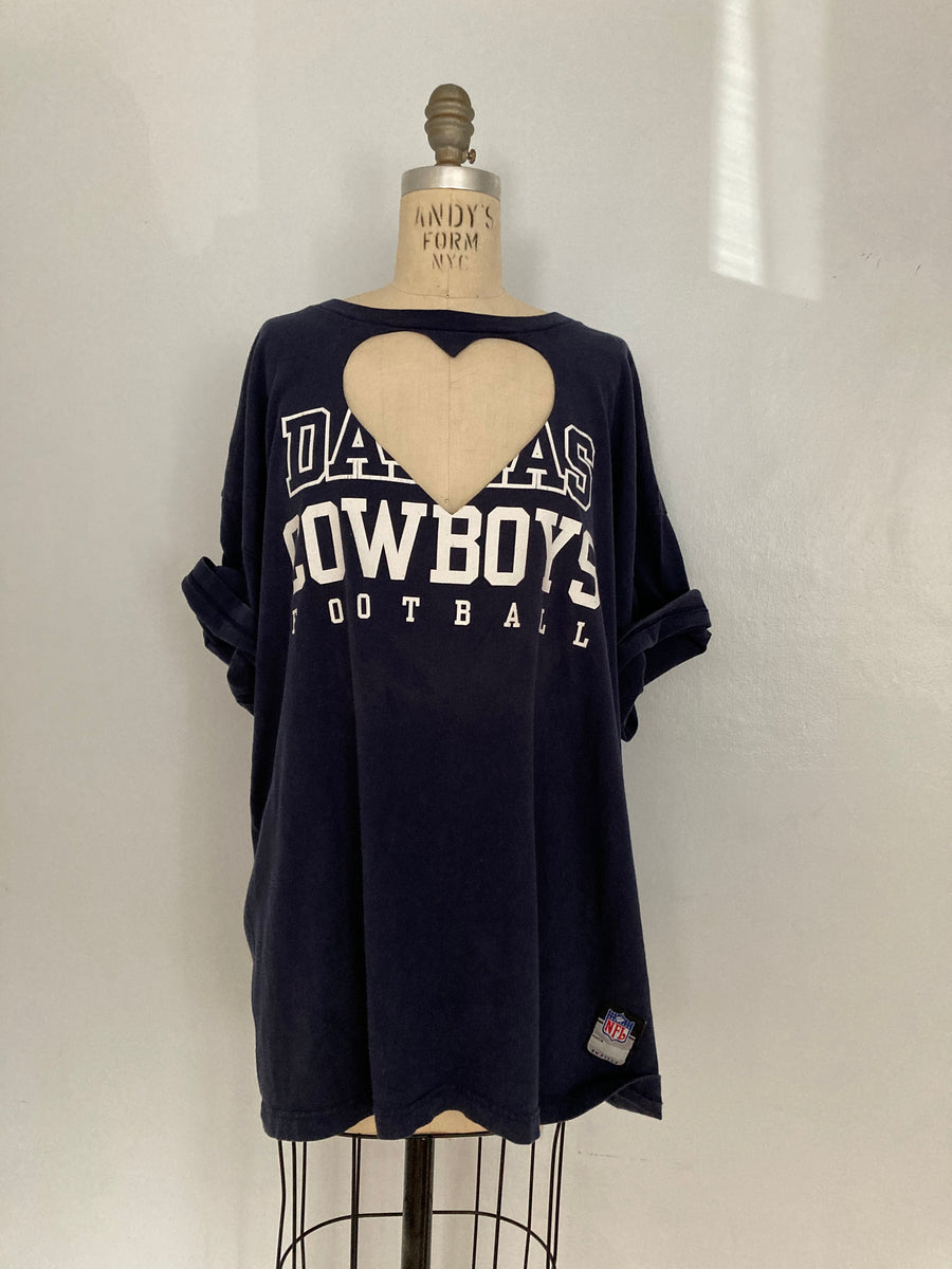 OVERSIZED 'DALLAS COWBOYS' HEART CUT-OUT TEE 1