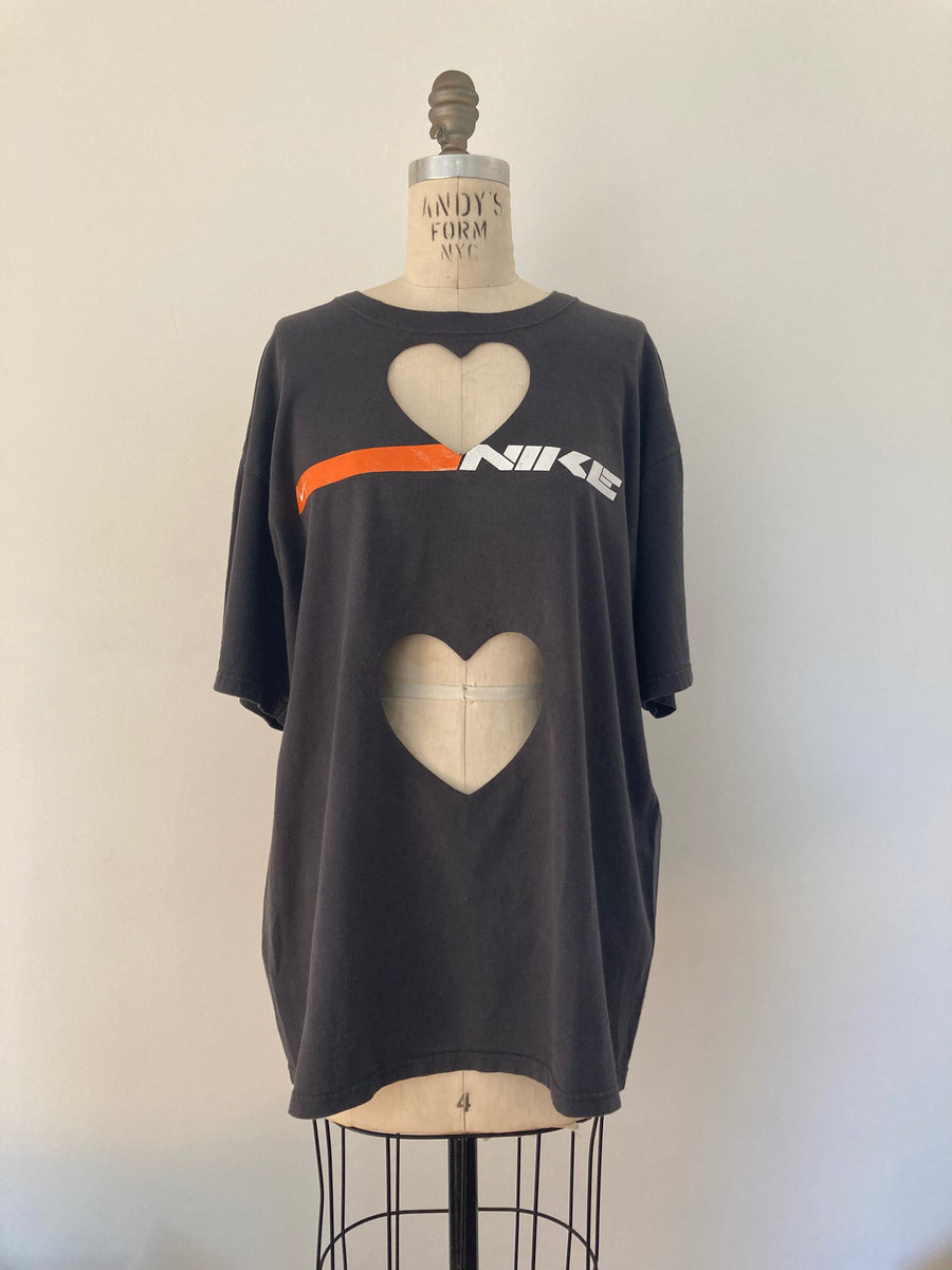 OVERSIZED 'NIKE' DOUBLE HEART CUT-OUT TEE