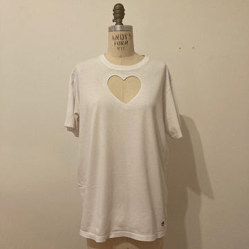 LARGE HEART CUT-OUT TEE WITH MINOR STAIN