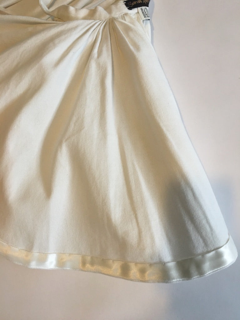 heavy pleated skirt belt w/ gold clasp and chain