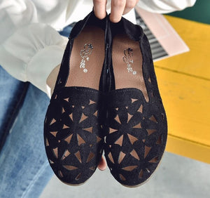 Summer Women Flat Shoes Soft Casual Loafers Female Ballet Flats Sweet Cut Out Suede Slip On Moccasins Breathable Ladies Footwear