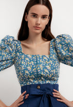 Load image into Gallery viewer, Floral top with puff sleeves