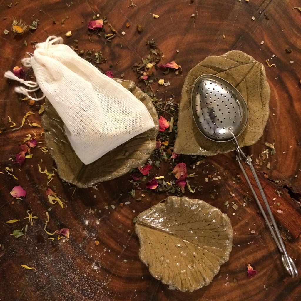 Natural Tea Bag Rest, Artisan Leaf Cast