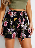 SKYLEE PLEAT DETAIL SHORT
