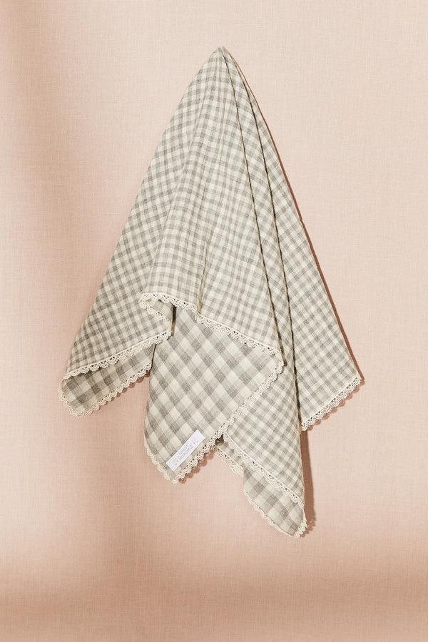 Dreams Swaddle Elaine Check - Strawberries & Cream