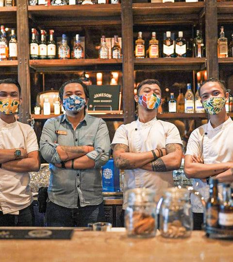 Cocktail Critters Donates 2,000 Masks to Asia Bars!