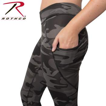 Womens Workout Performance Camo Leggings With Pockets - Black Camo
