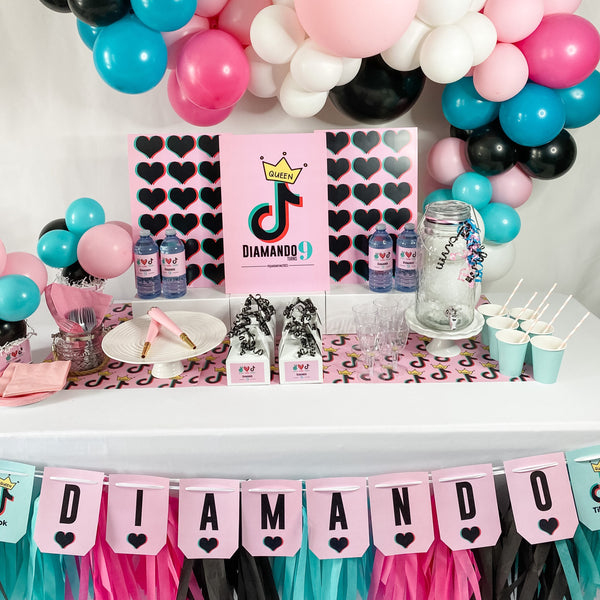 TICTOK GIRL BIRTHDAY DESSERT & DRINK STATION BOX