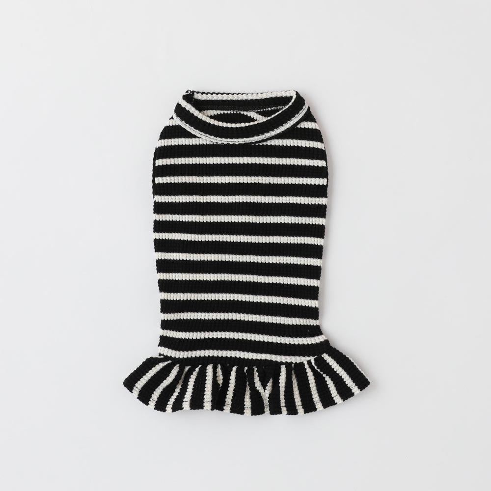 Horizontal stripe rib no sleeve frill dress
