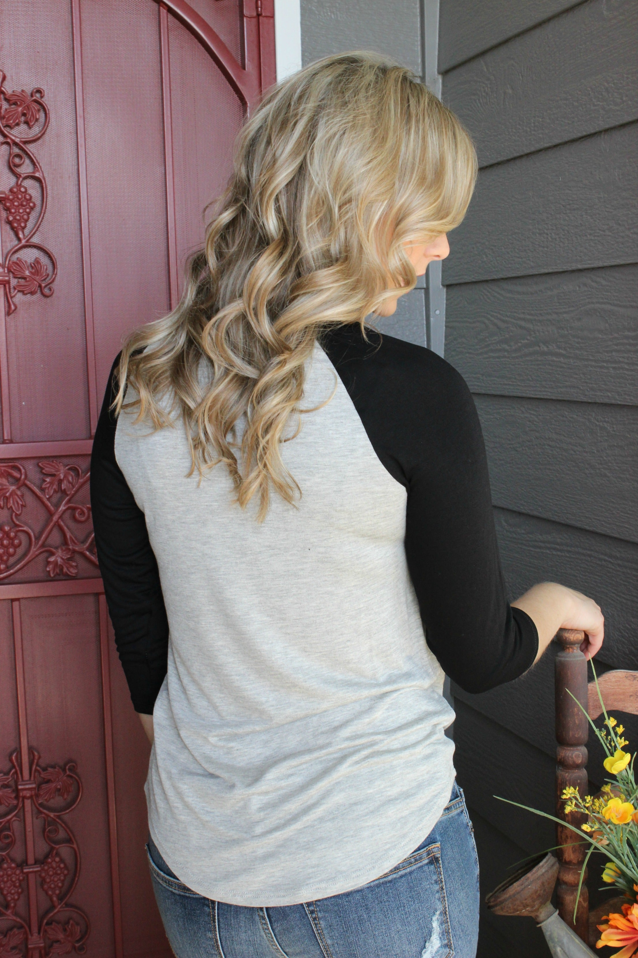 Home for the Weekend Tee- Gray - Leah B. Boutique