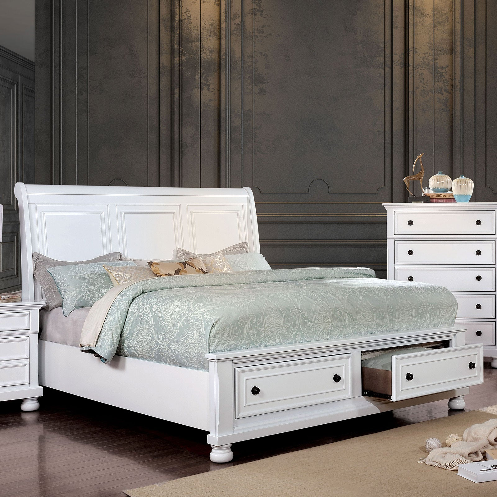Castor White Cal.King Bed image