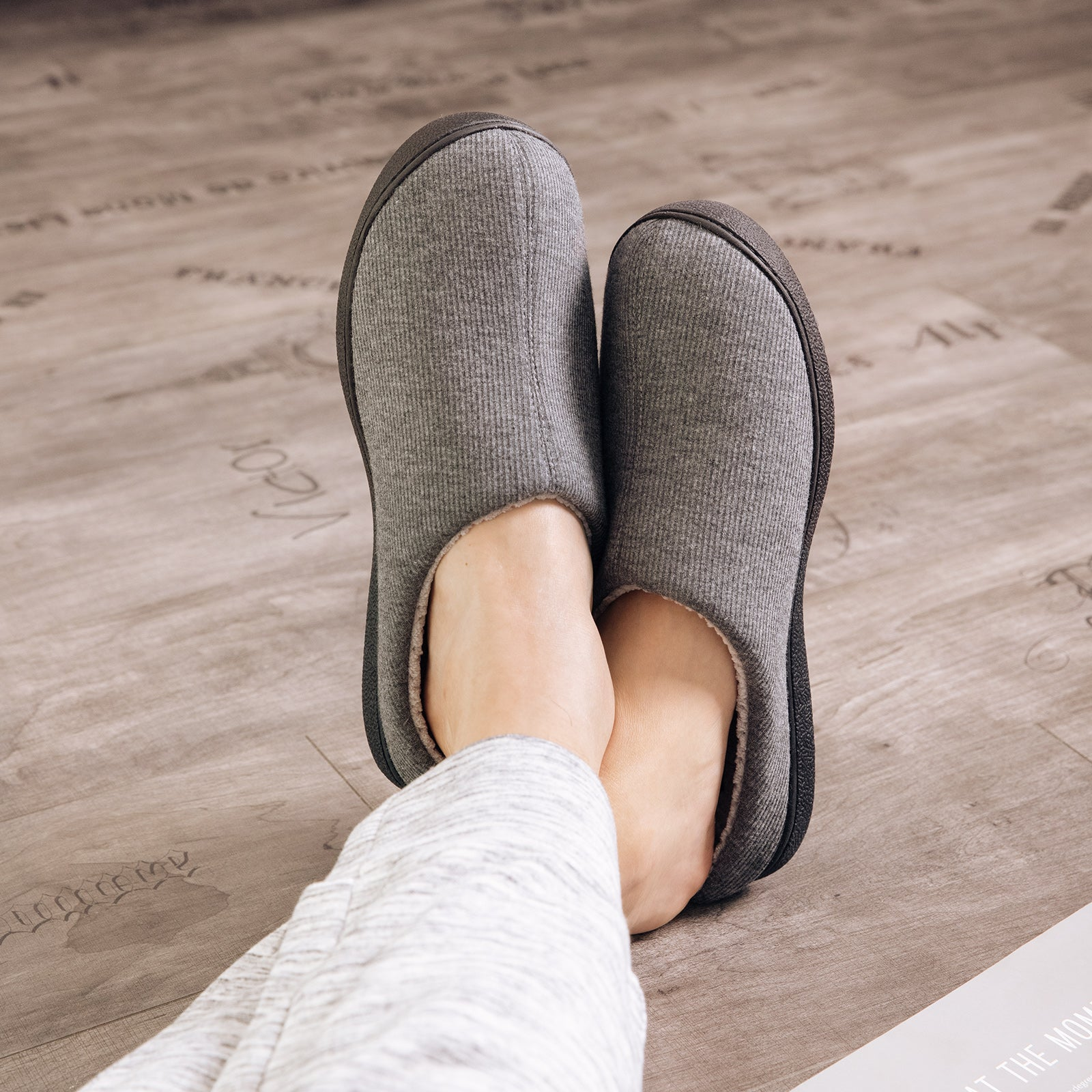 EverFoams Mens' Vere Slippers with Memory Foam