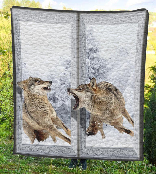 Double Wolf Quilt