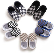 Load image into Gallery viewer, Baby Canvas Shoes Soft Sole Skate Shoe