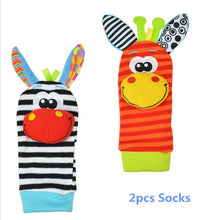Load image into Gallery viewer, Baby Animals Foot Socks and Wrist Rattle Set