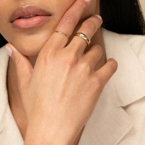 https://kategoryjewelry.com/collections/ring/products/simple-stackable-ring