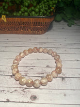 Load image into Gallery viewer, Flower Agate bead bracelet