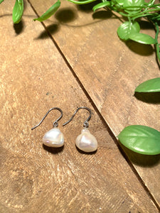 Sterling silver Fresh water Pearl earrings - jewellery