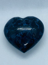 Load image into Gallery viewer, Gabbro love heart