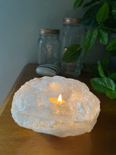 Load image into Gallery viewer, Quartz tea light Candle Holder