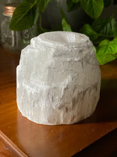 Load image into Gallery viewer, Selenite tea light Candle Holder