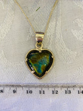 Load image into Gallery viewer, Labradorite pendant set in sterling silver.