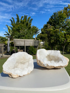 Large Clear Quartz crystal geode - home décor and table display AGMD0004