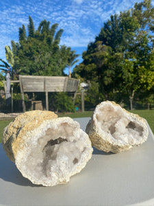 Large Clear Quartz crystal geode - home décor and table display AGMD0010