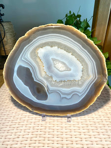 Large polished Natural Agate slice - cheese board or serving platter