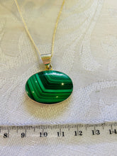 Load image into Gallery viewer, Malachite pendant set in sterling silver - necklace
