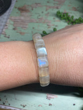 Load image into Gallery viewer, Moonstone bead bracelet