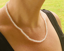 Load image into Gallery viewer, Moonstone bead necklace