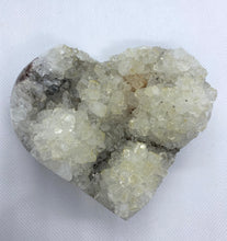 Load image into Gallery viewer, Natural Quartz crystal love heart