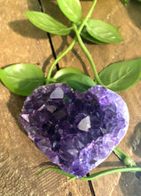 Load image into Gallery viewer, Natural amethyst heart