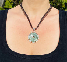 Load image into Gallery viewer, Seraphinite pendant set in sterling silver - necklace
