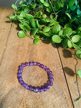 Load image into Gallery viewer, Warm purple amethyst bead bracelet