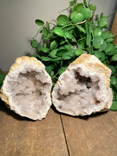 Load image into Gallery viewer, clear quartz geode pair