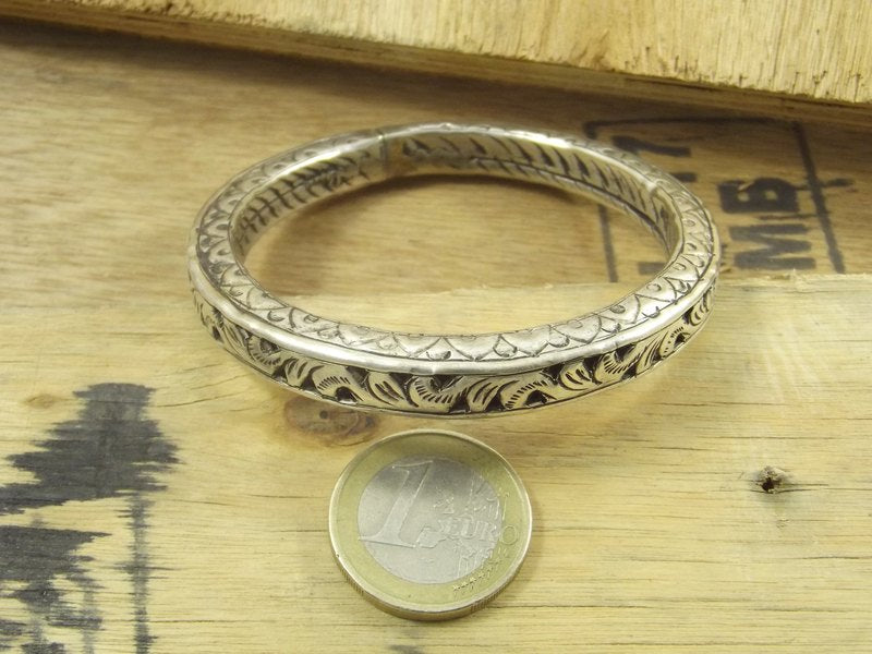 PERFORIERTES ARMBAND in Ethno-Silber