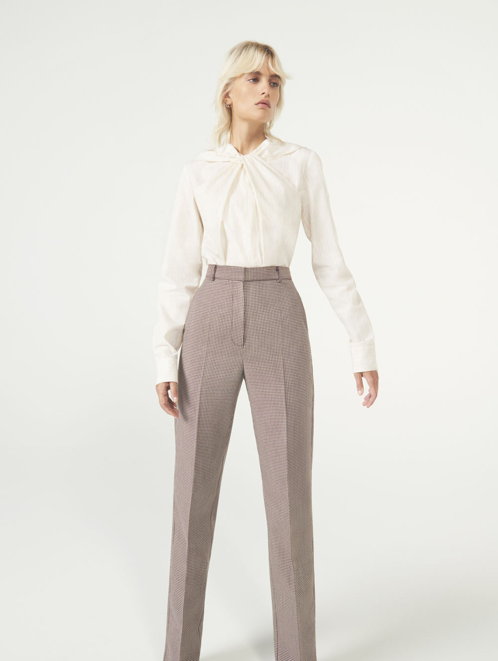 Women Fashion Lookbook Resort 2020 Collection Aknvas Look 11