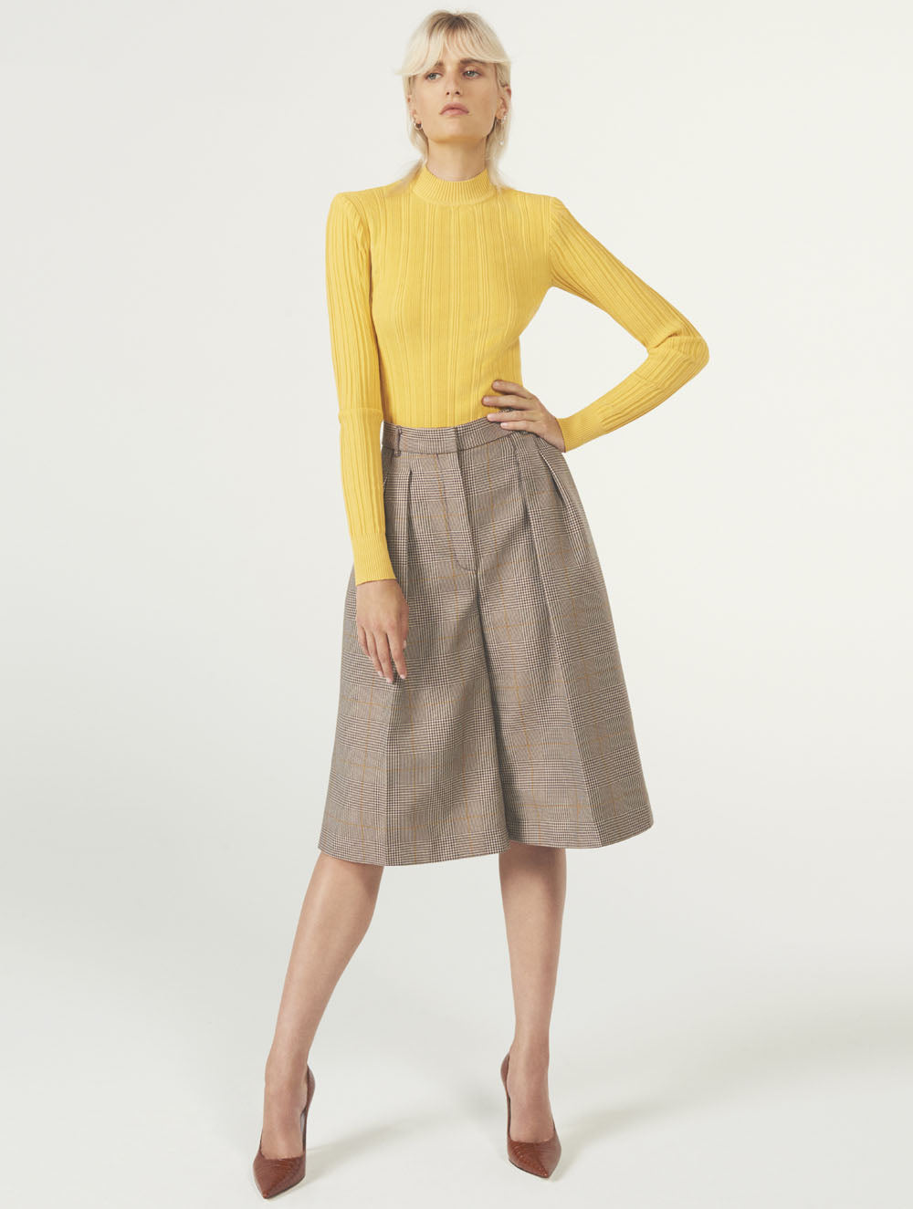 Women Fashion Lookbook Resort 2020 Collection Aknvas Look 12